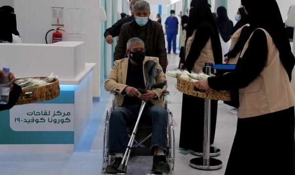 السعودية: يمكن لمن عمره 50 عامًا وأكثر وأتم 42 يومًا من الحصول على الجرعة الأولى أن يأخذ جرعة ثانية