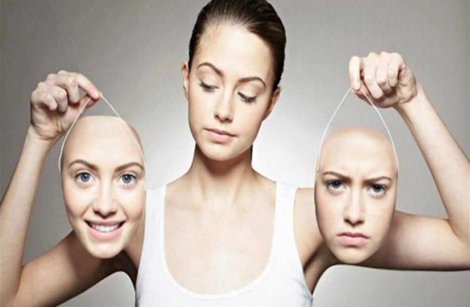 علماء النفس يكشفون خطورة البقاء إيجابيًا طوال الوقت.. وقمع المشاعر السلبية