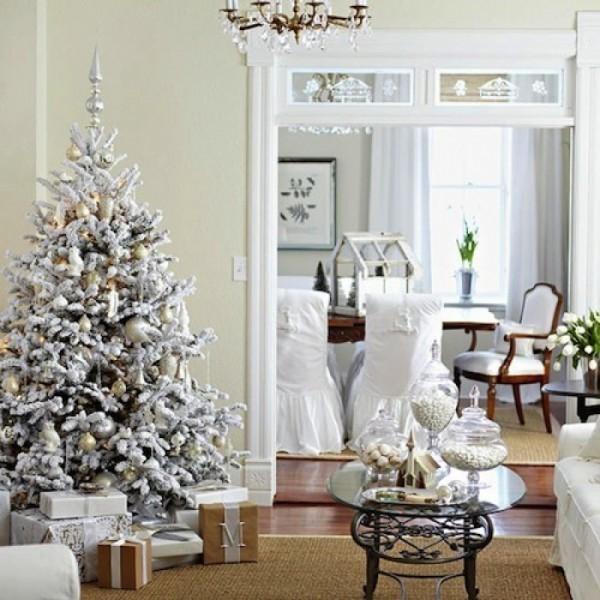 Un idea sarebbe creare una bella composizione di specchi per creare un bellissimo e particolare effetto su una parete di casa. Albero Di Natale Ghiacciato Il Blog Italiano Sullo Shabby Chic E Non Solo