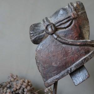 Shabbys-Stoer in wonen-Stoer houten paard/paardenhoofd op standaard