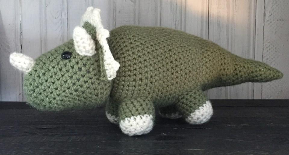 Roar! 10 Free #Crochet Dinosaur Patterns! - Moogly | 516x960