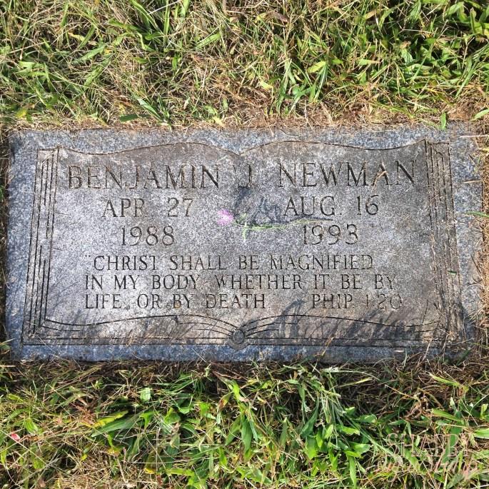 Ben's grave2