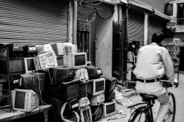 Gali no : 6 . One of the famous streets of Mustafabad where these monitors come in bundles.