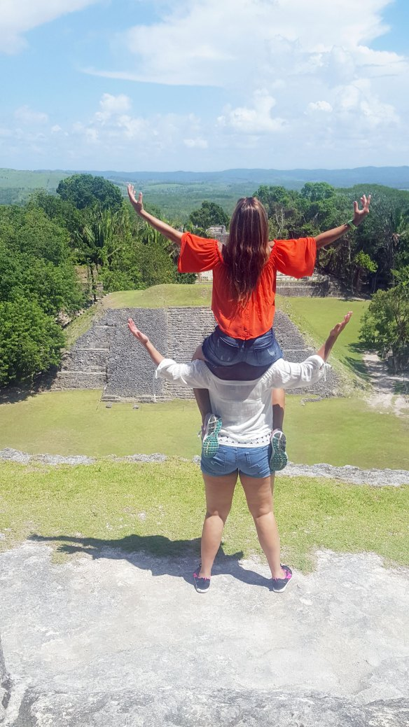 belize xanuantunich ancient Maya tour