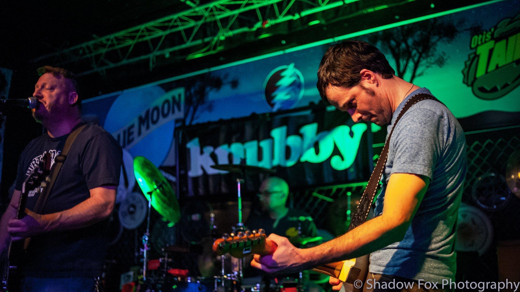 Knubby playing at Tailgators in Cedar Rapids, Iowa