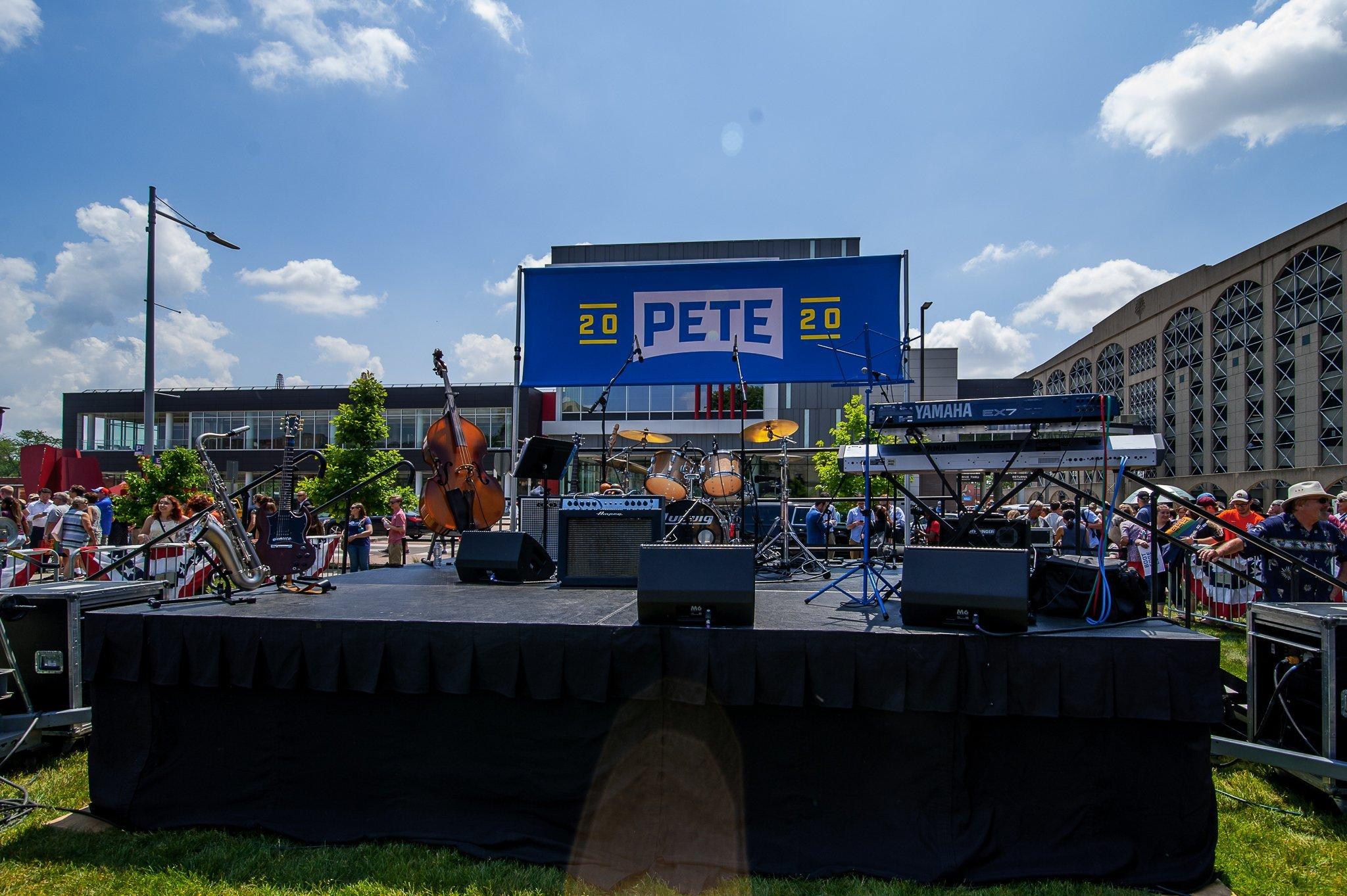 Pete 2020 sign at a Pete Buttigieg campaign stop in Cedar Rapids, Iowa