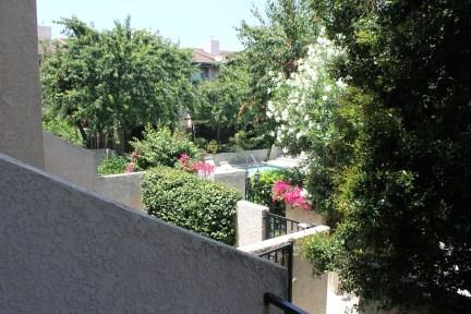 balcony-left