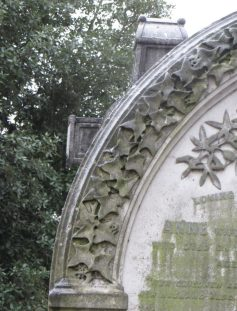 Ivy and Passionflowers on Howard tombstone at Brompton Cemetery ©Carole Tyrrell