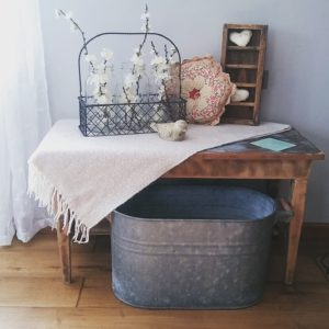shady oak and sassafras creating a farmhouse with vintage items