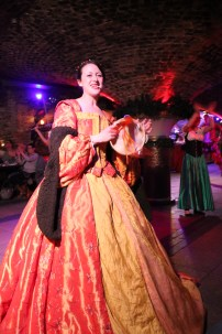 medieval woman costume