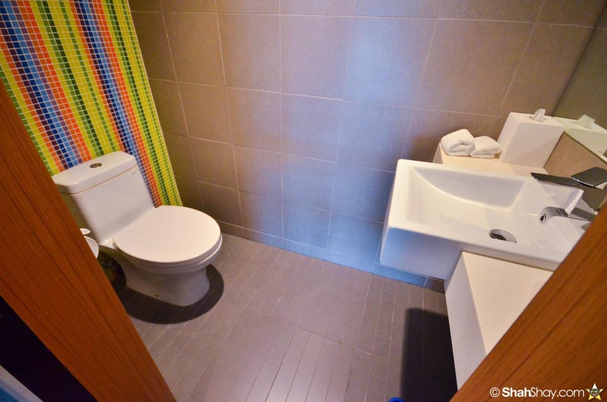 Hotel Kuala Lumpur - Aloft KL Sentral Breezy Suite - Guest bathroom