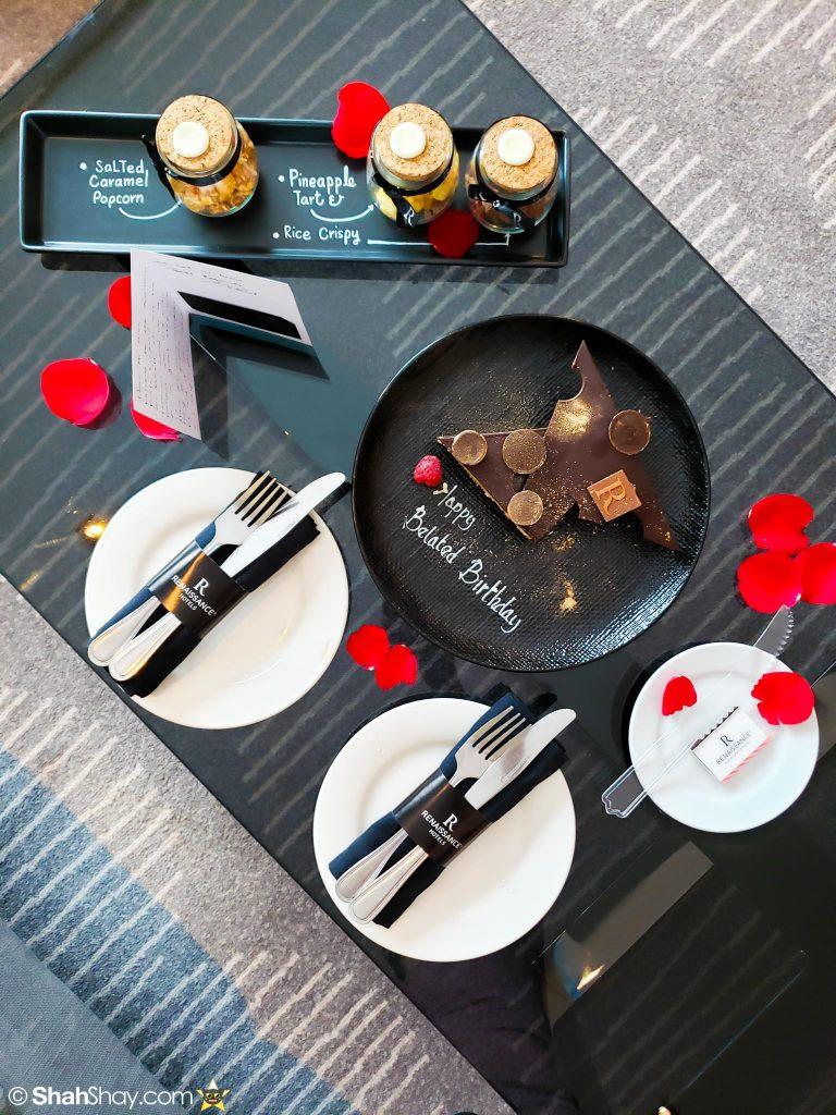 Renaissance Kuala Lumpur Executive Suite - Birthday cake and treats
