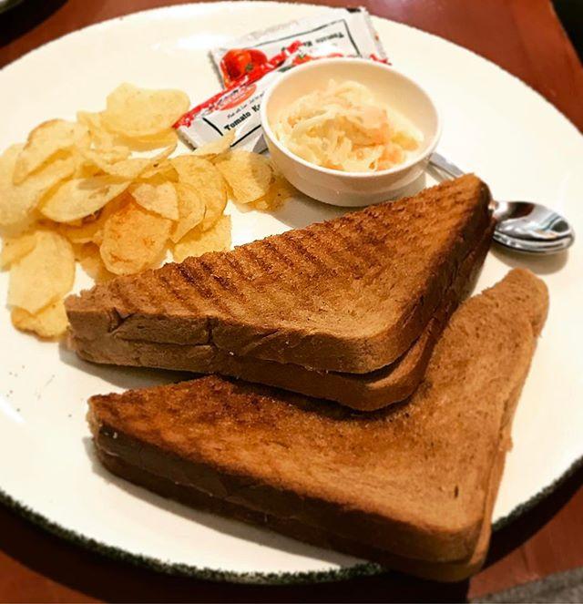 #sandwich #chips #food