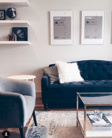 30 DIY Apartment Wall Color and Decoration - Get more Ideas in our gallery | #homedesign #homestyle #homedecor #apartmentinterior #apartmentcolor #apartmentinterioridea #apartmentdecoratingidea Part 3