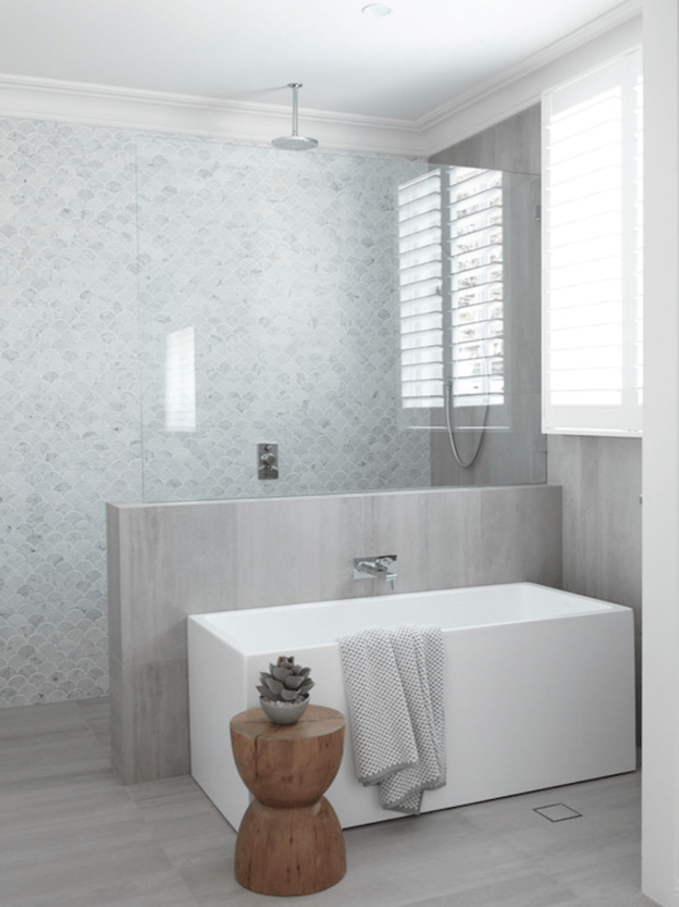 70+ Tiles Ideas for Small Bathroom - Get more Ideas in our gallery | #smallbathroom #bathroomdecoration #bathroomideas #bathroomtiles #bathroomdecor #homedecor (2)