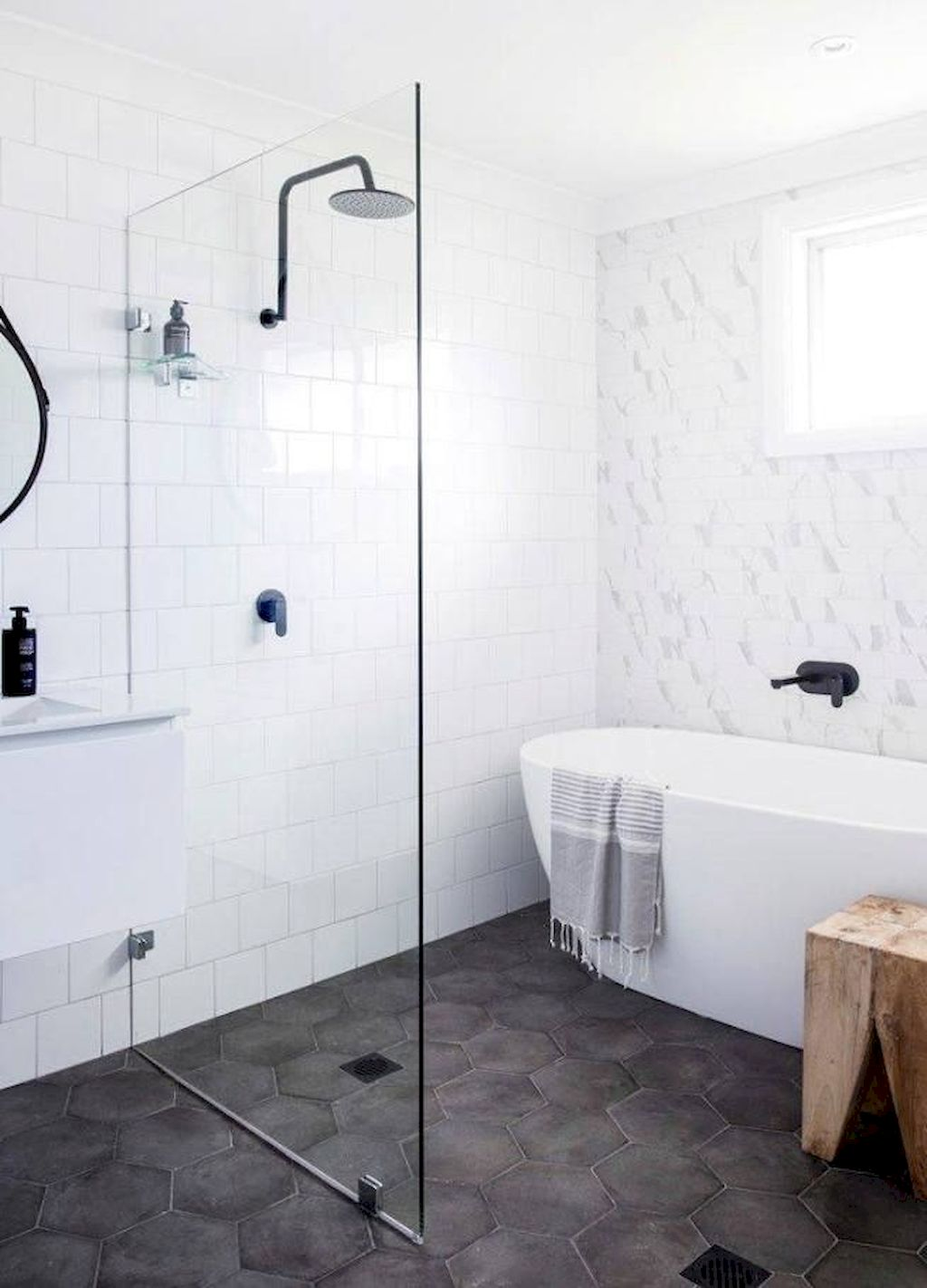 Tiles Ideas for Small Bathroom (21)