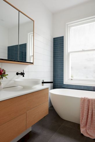 70+ Tiles Ideas for Small Bathroom - Get more Ideas in our gallery | #smallbathroom #bathroomdecoration #bathroomideas #bathroomtiles #bathroomdecor #homedecor (63)
