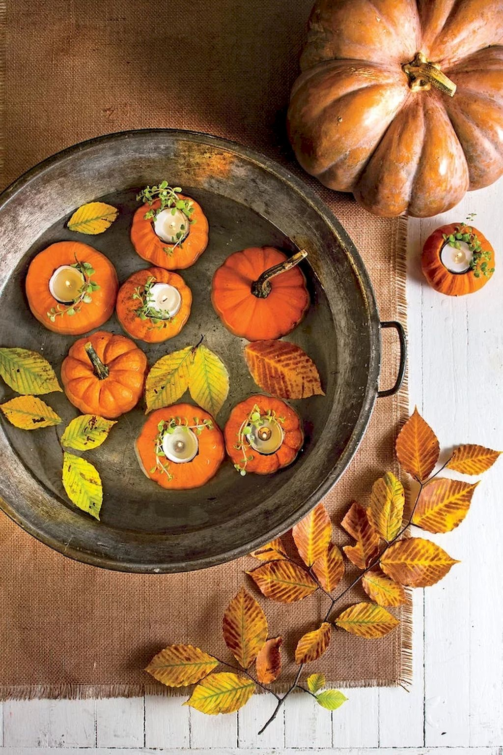Best Fall Outside Décor Ideas (12)