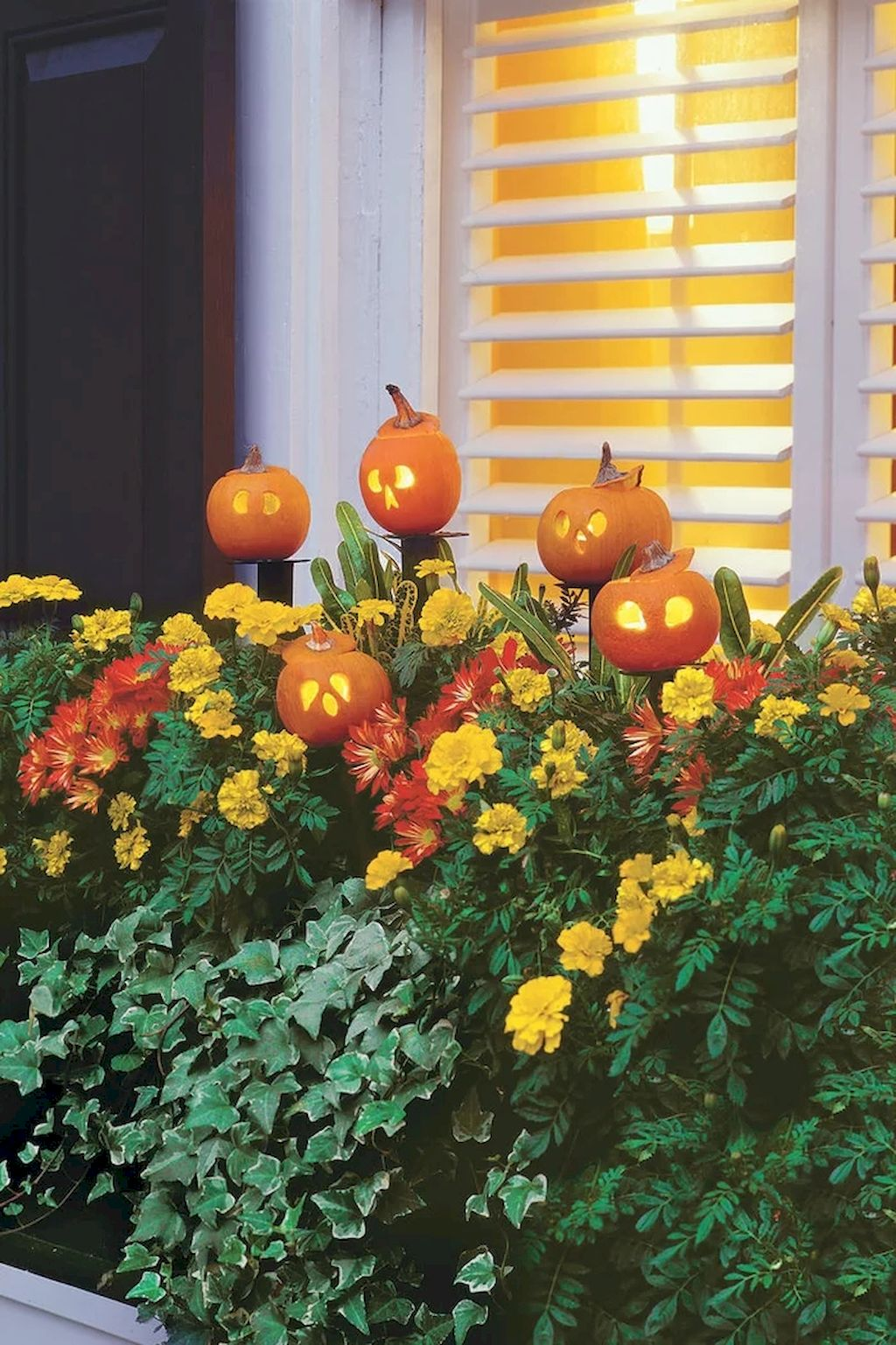 Best Fall Outside Décor Ideas (8)