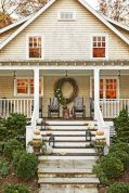 Fall Porch Décor Ideas in Cozy and Cool Style (16)