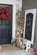 Fall Porch Décor Ideas in Cozy and Cool Style (22)