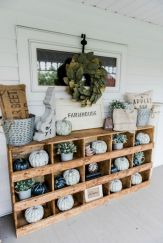 Fall Porch Décor Ideas in Cozy and Cool Style (39)