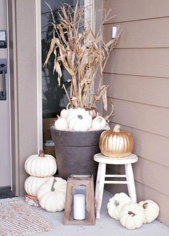 Fall Porch Décor Ideas in Cozy and Cool Style (50)