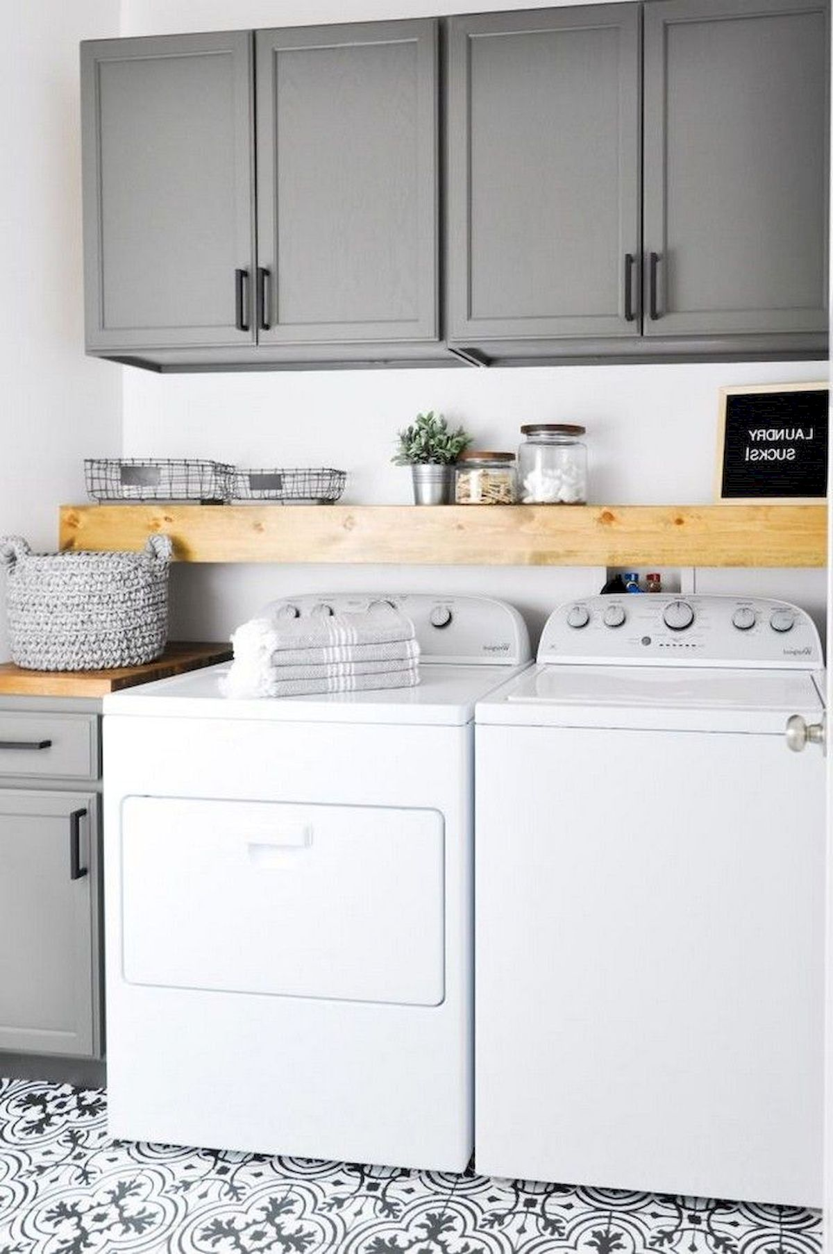55 Best Small Laundry Room Photo Storage Ideas (23)