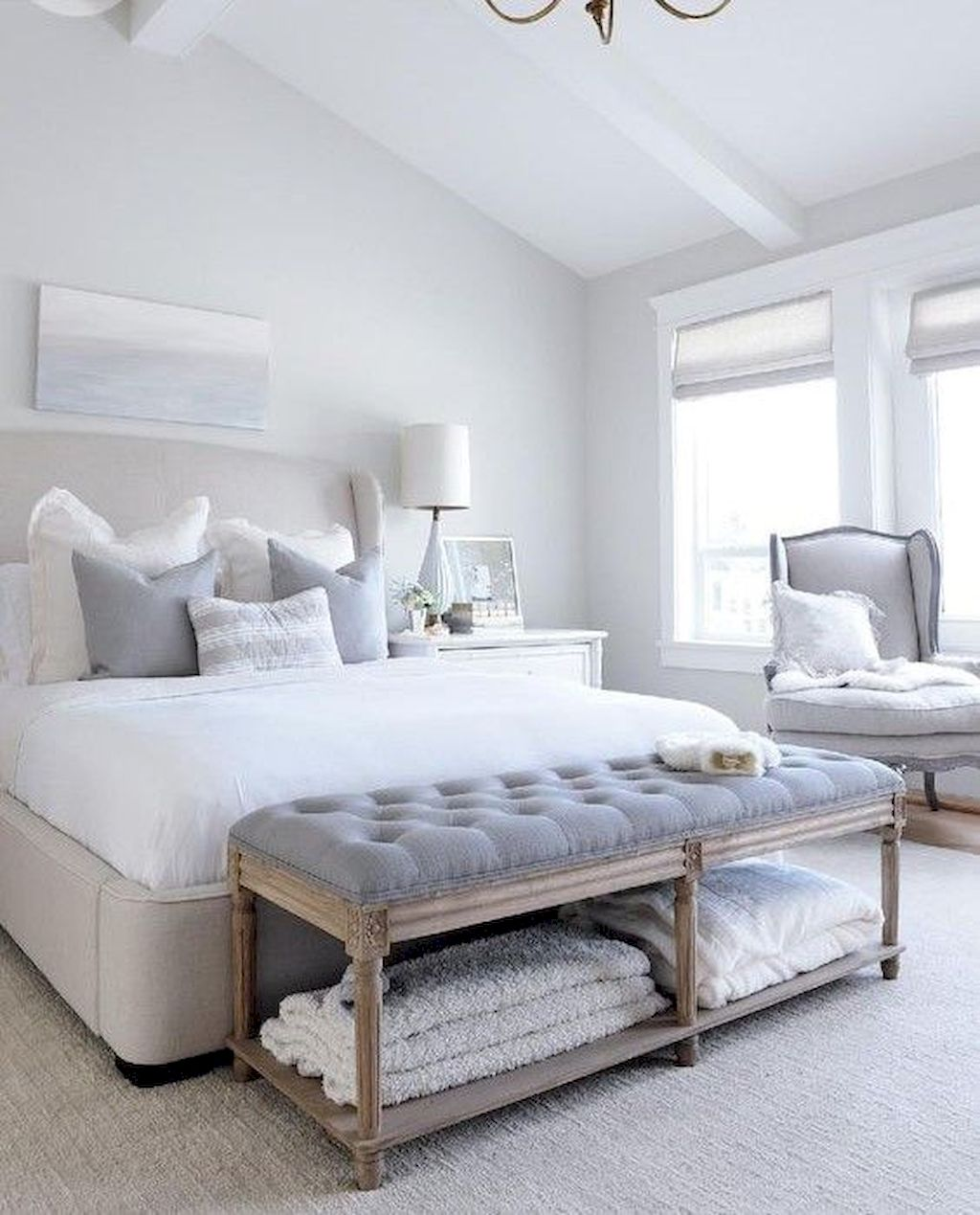 Affordable Bedroom Design With Comfortable Beds and Furniture Part 15