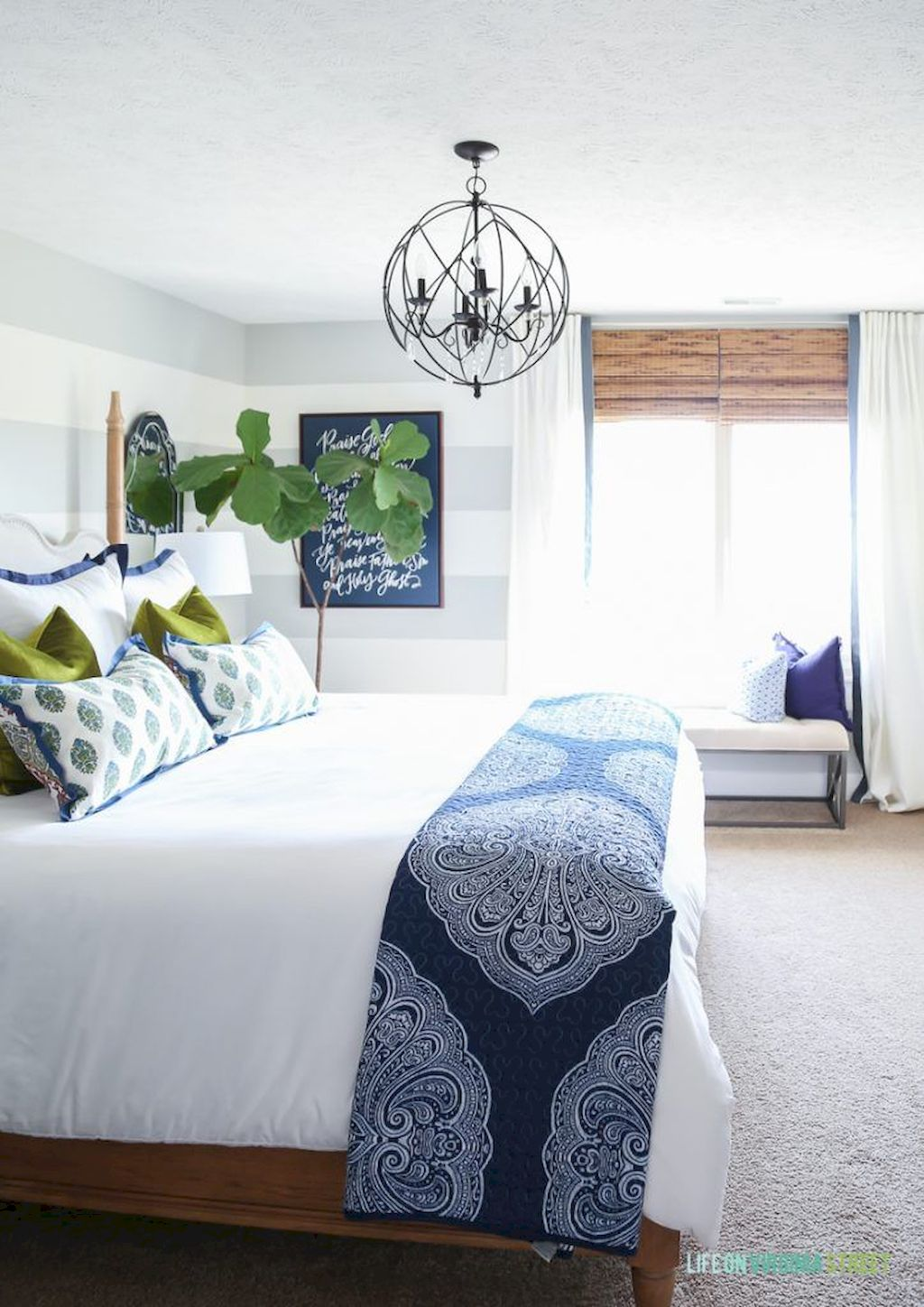Affordable Bedroom Design With Comfortable Beds and Furniture Part 9