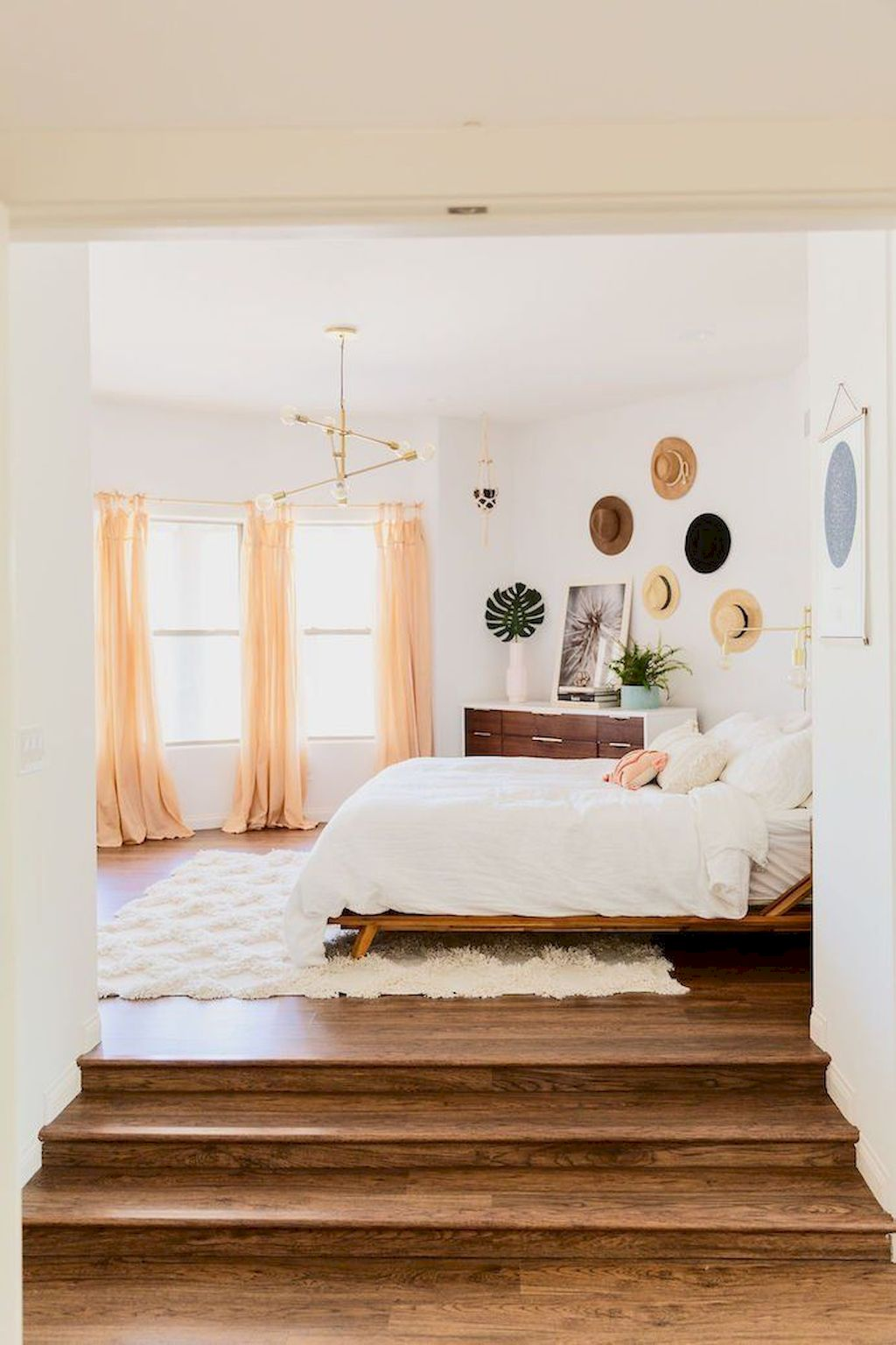 Affordable Minimalist Bedroom Ideas with Ultra Cozy Bed Designs Part 10