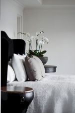 Affordable Minimalist Bedroom Ideas with Ultra Cozy Bed Designs Part 12