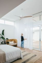Minimalist Scandinavian Bedroom Concept in Maximum Brightness and Cleaness Part 49