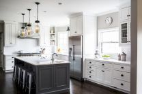 White Kitchen Designs With Beautiful Simple Accessories Part 19