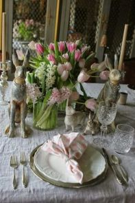Charming Easter centerpieces and springy table decor ideas to get your Easter party hopping Part 10