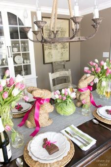 Charming Easter centerpieces and springy table decor ideas to get your Easter party hopping Part 16