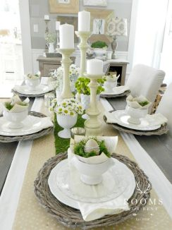 Charming Easter centerpieces and springy table decor ideas to get your Easter party hopping Part 30