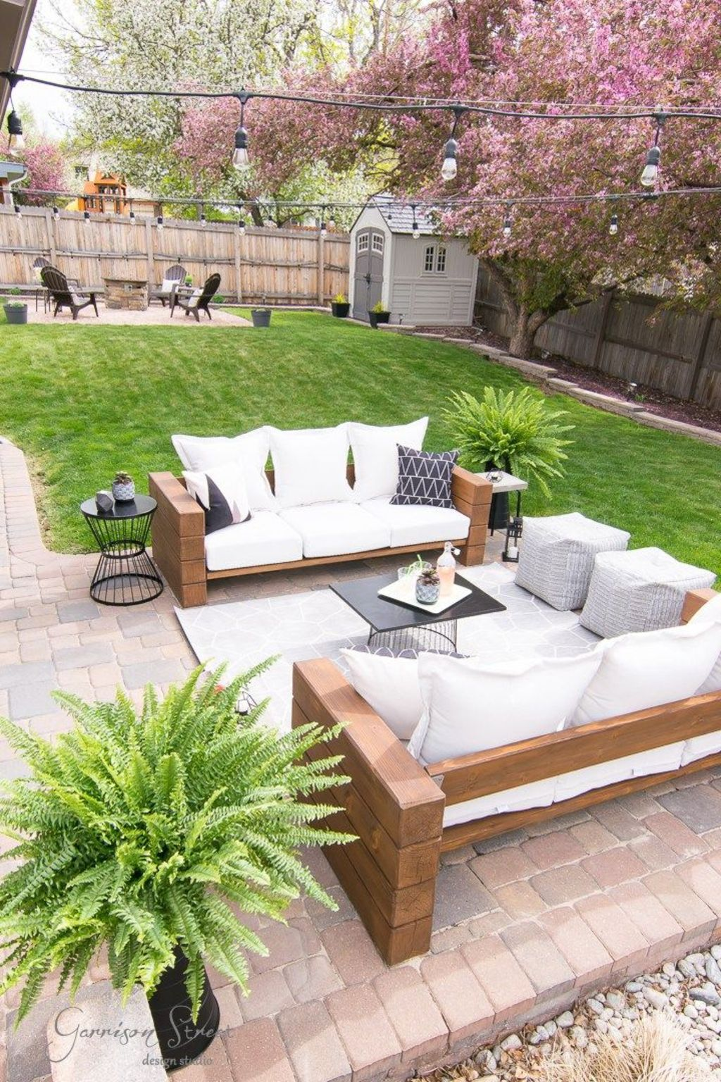 Creative adjustments that will enhance the coziness of the outdoor living space Part 40