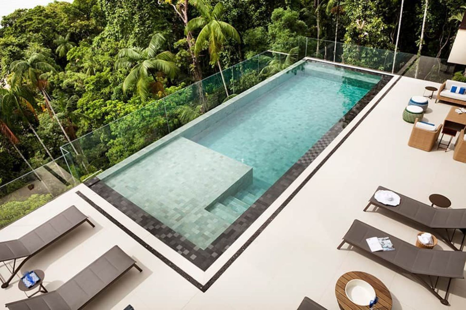 Inground tiny swimming pool in a small backyard that pick the best shape Part 3