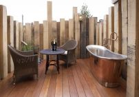 Stunning Outdoor Shower and Bath Spaces That Take You To Urban Paradise Part 23