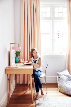 Best collection of inspirational kids bedroom decor schemes that feature beautiful pastel color palettes and unisex kids room ideas Image 11