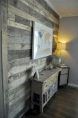 Clever rustic touch exploiting wood pallets wall accent that enhances contemporary home update and also effective in twisting decoration style Image 2