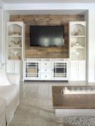 Clever rustic touch exploiting wood pallets wall accent that enhances contemporary home update and also effective in twisting decoration style Image 6