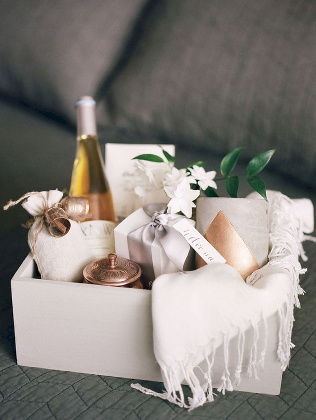 DIY Easter basket ideas made from affordable and recycled materials very charming as Spring celebration accessories Image 7