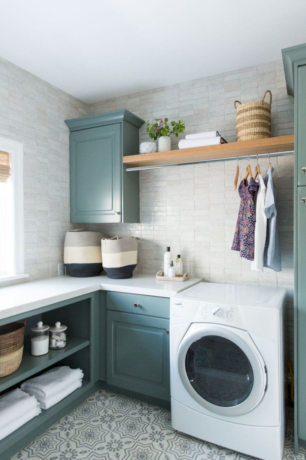 Easy tricks to make a Scandinavian style laundry room which will give a perfect refreshment in simple and sleek designs Image 29