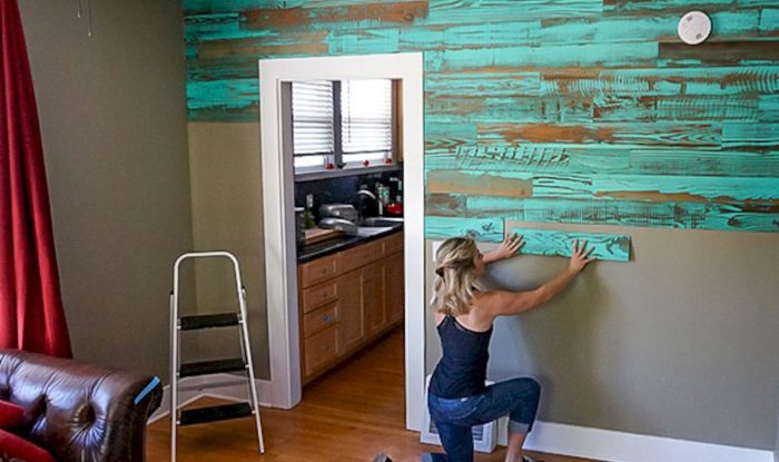 Installing stained pallet planks
