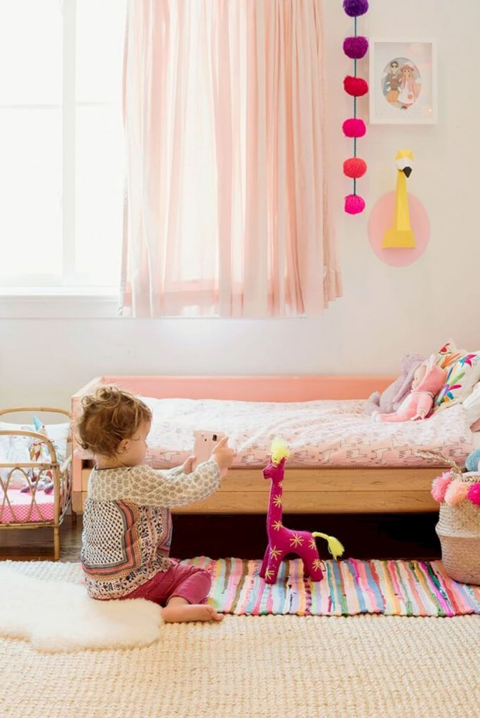 Shabby chic childrens rooms and nurseries with simple and beautiful decorations Image 32