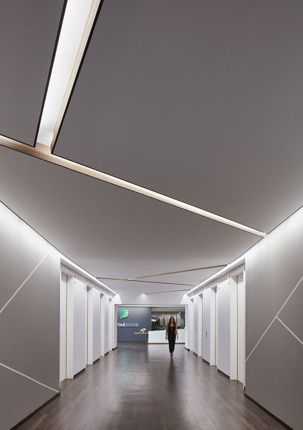 Amazing office interior ideas with unique and unconventional false ceiling designs Image 9