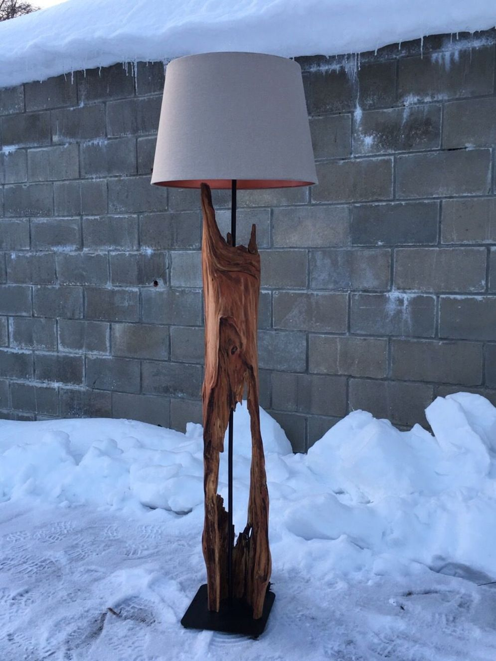 Awesome driftwood lamp stands giving authentic decoration in natural art style Image 12
