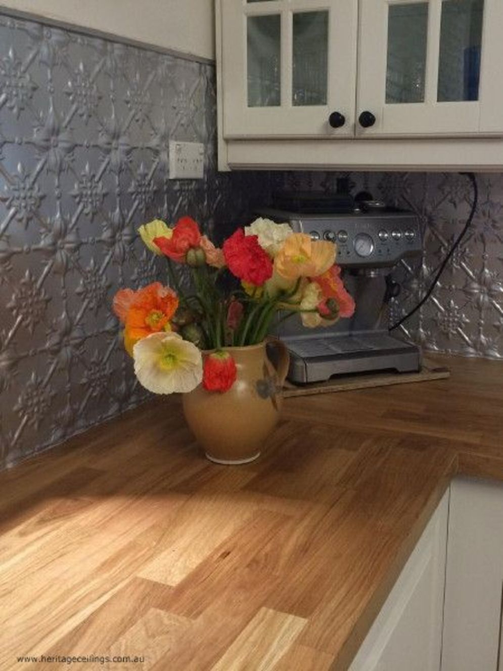 Beautiful kitchen backsplash designs giving special accents in the house Image 3